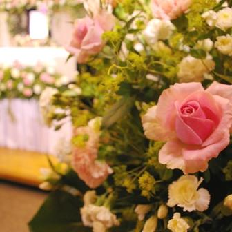 薔薇が好きなお母さんの葬儀