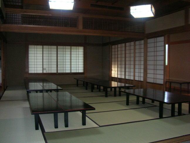 摩耶寺会館控室